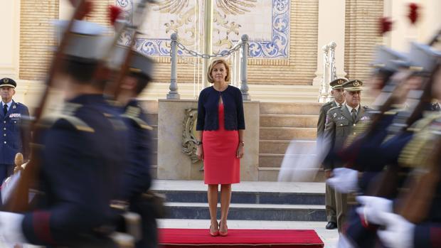La ministra de Defensa, durante su visita a la Academia General Militar