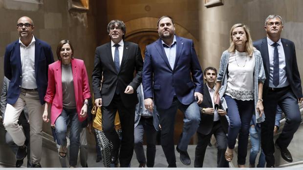 Los alcaldes a favor del referéndum convocan un acto de protesta por la decisión de la Fiscalía
