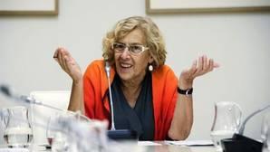 Manuela Carmena, en la sala de Juntas del Ayuntamiento de Madrid