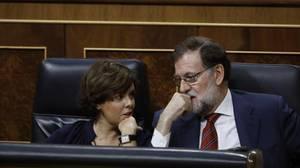 Soraya Sáenz de Santamaría y Mariano Rajoy, en el Pleno del Congreso