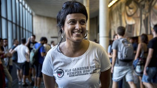 Hemeroteca: Anna Gabriel desafía a los jueces e inicia un acto que le fue prohibido en Vitoria   Autor del artículo: Finanzas.com