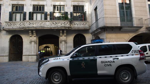 Registros en el Ayuntamiento de Gerona y la empresa municipal del agua