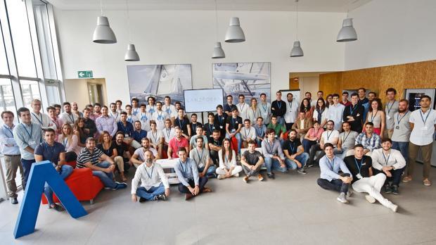Imagen de parte del equipo de emprendedores de Lanzadera