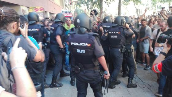 La Policía comienza a acumular material antidisturbios