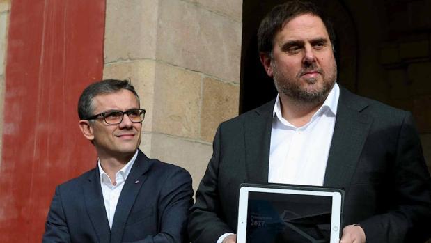 Josep Maria Jové Lladó, junto al vicepresidente del Govern y conseller de Economía, Oriol Junqueras