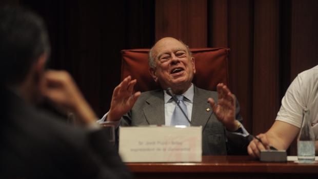 Jordi Puiol, durante su comparecencia en el Parlament tras confesarse como un evasor fiscal