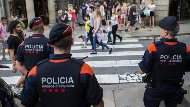 Los Mossos controlarán la seguridad pública coordinados por Interior
