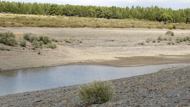 El embalse de Villameca, del que beben los habitantes de Astorga, está al 15,7% de su capacidad