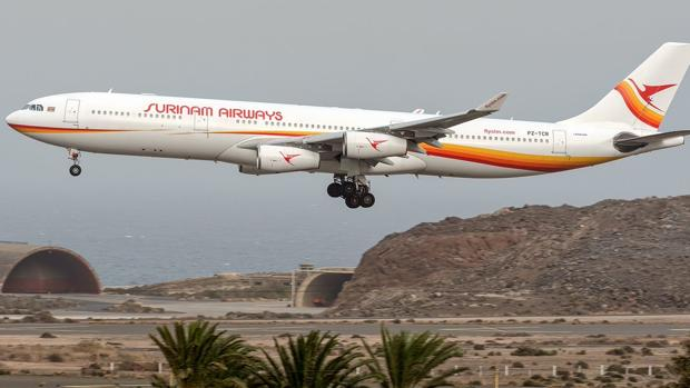 Un aparato de una aerolínea asiática en Gran Canaria el pasado mes de agosto