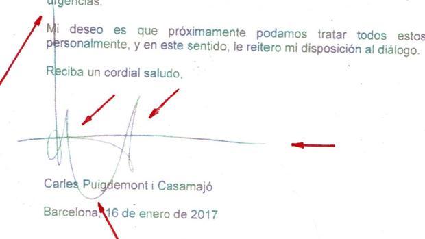 En la imagen se muestra la firma de Carles Puigdemont, presidente de la Generalitat