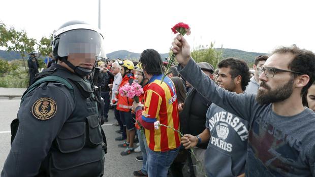 Incidentes en el exterior del Pabellón Deportivo municipal de Sant Julia de Ramis (Gerona)