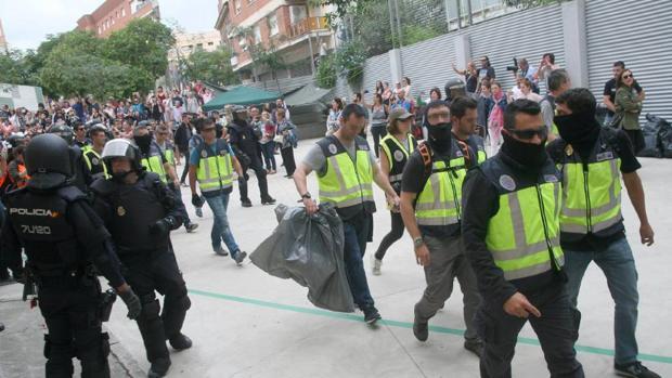 DENUNCIAN A UN INSTITUTO POR SEGREGAR A MENORES QUE NO CONDENARON A LA POLICIA Y A LA GUARDIA CIVIL