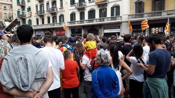 Directo refer ndum catalu a rajoy no comparecer en el for Oficinas de vueling en barcelona