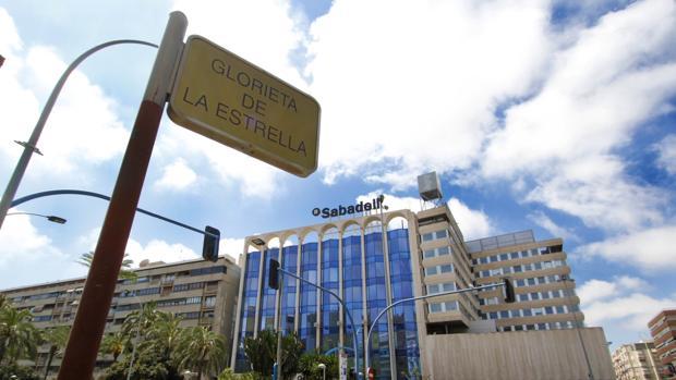 Sabadell el banco de alicante for Oficinas sabadell cam en valencia