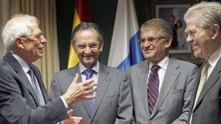 Borrell con los políticos canarios con los que tuvo discrepancias en 1989