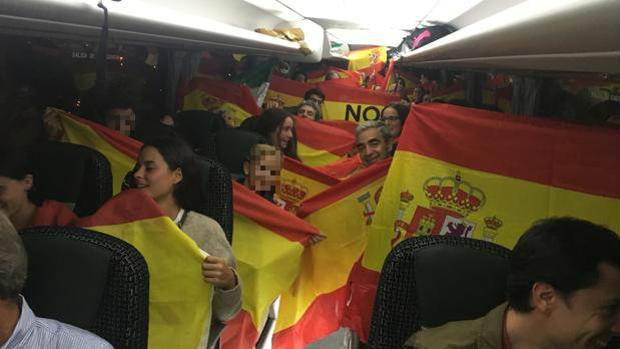 Uno de los autobuses rumbo a Barcelona