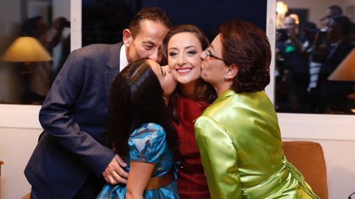 Rocío Gil junto a su familia