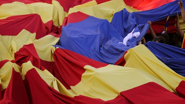 Hemeroteca: Investigan a profesores de un colegio catalán por incitar al odio a los niños   Autor del artículo: Finanzas.com