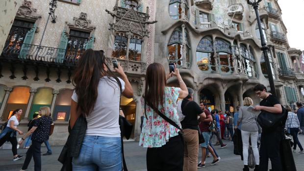 Hemeroteca: Barcelona quiere que el turista pague más en el transporte público | Autor del artículo: Finanzas.com