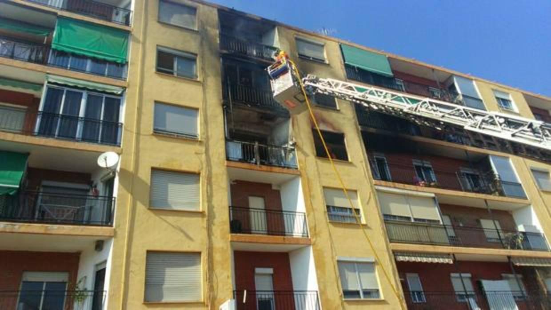 Una persona muere y cuatro resultan heridas en el incendio de una vivienda en Puzol