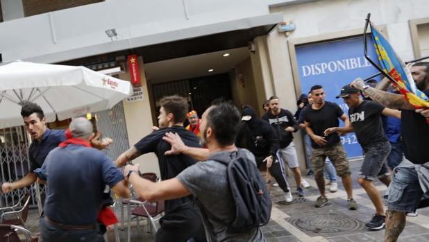 Incidentes durante la manifestación en el 9 d'Octubre en Valencia