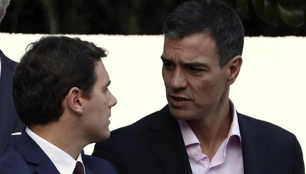 Albert Rivera y Pedro Sánchez, juntos en la Fiesta Nacional