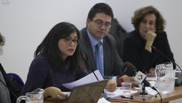 La concejal de Arganzuela y Usera, Rommy Arce, durante la presentación del mercado de Legazpi