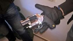 El revólver incautado