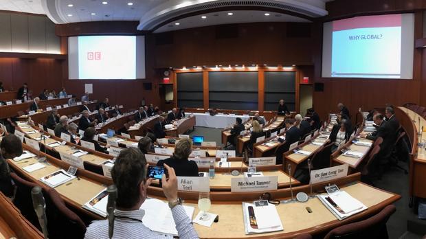 Conferencia DE Alberto de Rosa, consejero delegado de Ribera Salud, en la sede de la universidad en Boston (Massachusetts)
