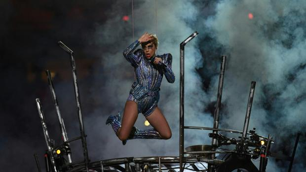 Lady Gaga, durante su actuación en la Super Bowl