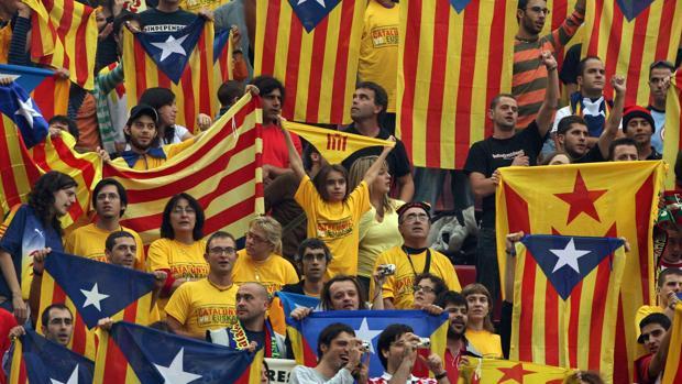 El desafío separatista está desestabilizando emocionalmente a los catalanes, tanto a los defensores como a los detractores, según advierten los expertos