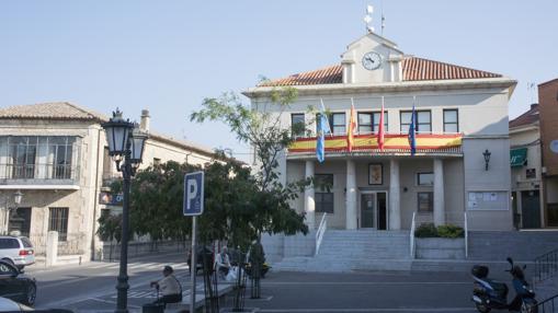 Ayuntamiento de El Molar, en el centro del municipio situado a 45 km de Madrid