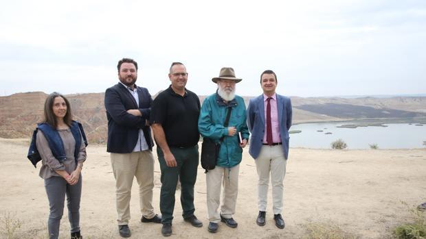el consejero de Agricultura, Francisco Martínez Arroyo, ha visitado el rodaje
