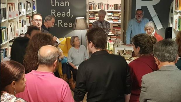 Una actividad en una librería alicantina organizada por la entidad del festival sobre Lorca