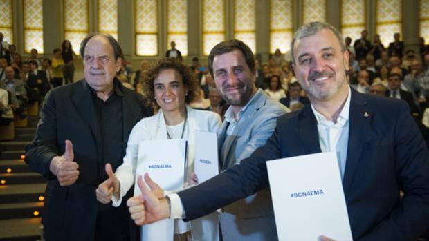 Dolors Montserrat (c) y Collboni (d) en un acto previo de la candidatura