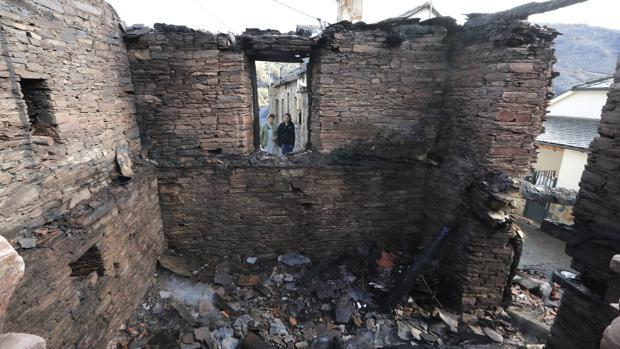Las primeras estimaciones cifran en cerca de 35.500 las hectáreas quemadas este fin de semana