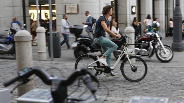 La brecha de BiciMad: ¿Por qué no atrae a ciclistas sin estudios?