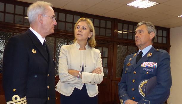 Cospedal ha presidido en la Comandancia Naval de Bilbao una reunión del Consejo Superior de la Armada