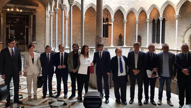 Un centenar de abogados de barcelona pide al consejo de la - Colegio notarios de barcelona ...
