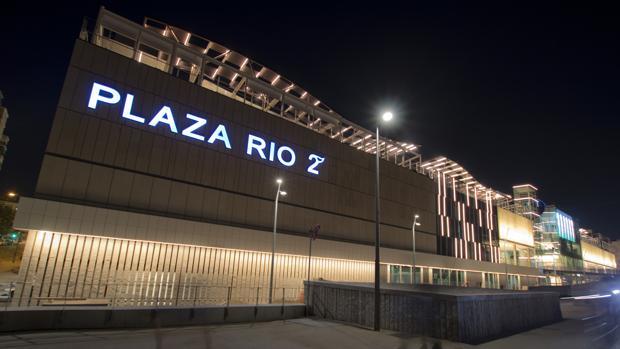 Fachada del centro comercial Plaza Río 2