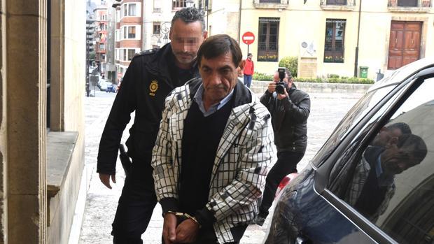 D. S.. G., acusado de matar a su sobrino tras una descusión, llega a la Audiencia de León