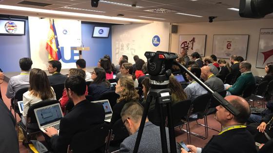 Los medios esperan la comparecencia de Rajoy