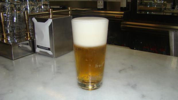 La caña recién tirada en la cervecería Santa Bárbara