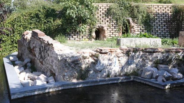Parque del paseo de Juan XXIII donde se sitúan los accesos al «viaje de agua»