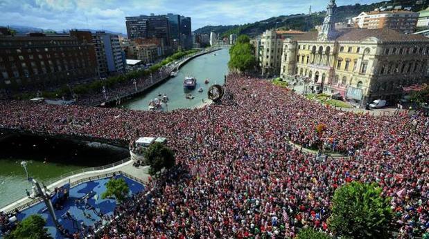 La imagen de la polémica, correspondiente a la celebración de la Supercopa de 2015 en Bilbao