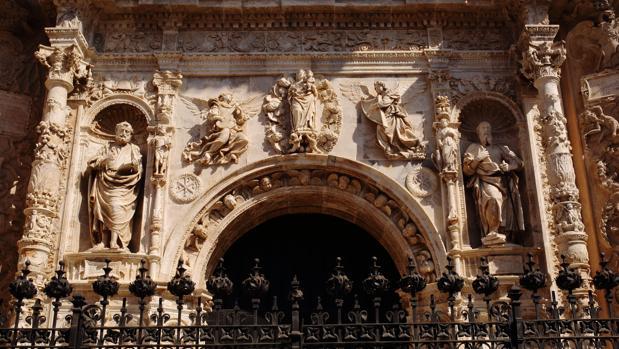 Portada de la Colegiata de Santa María de Calatayud