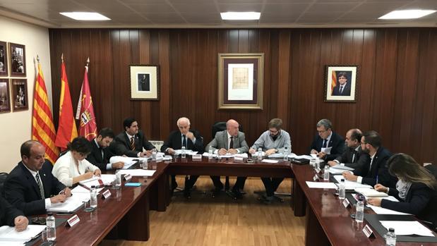 Varios partidos políticos ya han mostrado su posición favorable a permanecer en España