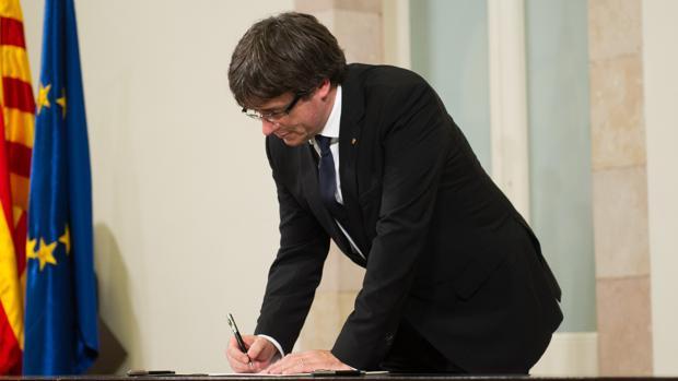 Puigdemont fue rápido en firmar la proliferación de altos cargos