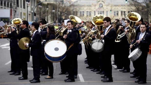 Una banda de música tocando en Valencia, en imagen de archivo