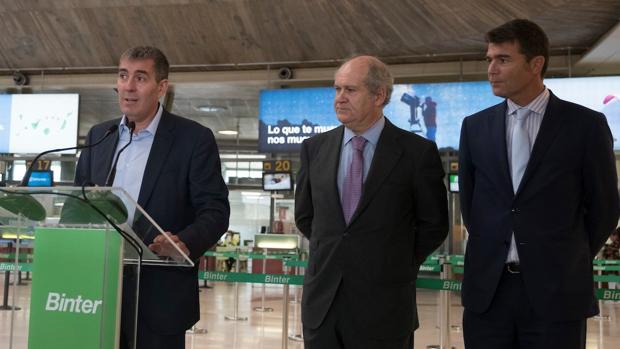 Ferrnando Clavijo, Pedro A. del Castillo y Guillemo Díaz Guerra
